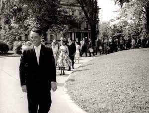 Sargent Shriver and Peace Corps volunteers go to the White House, 1961